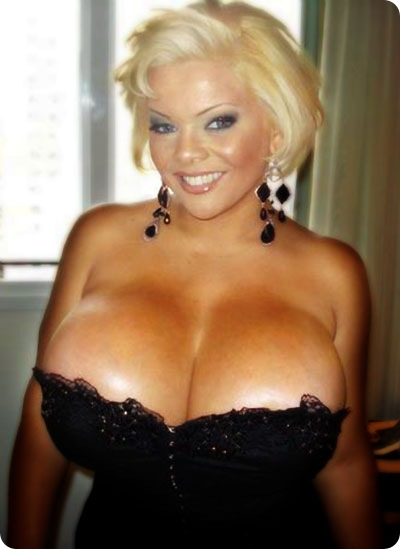 worlds largest womans breasts