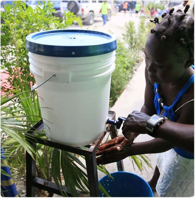 Hand washing is a key step in preventing cholera and other diarrheal diseases after Hurricane Mathew in Haiti. Photo: PAHO