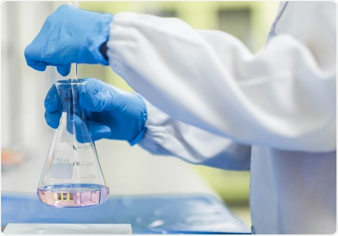 what is the difference between titration and karl fischer titration