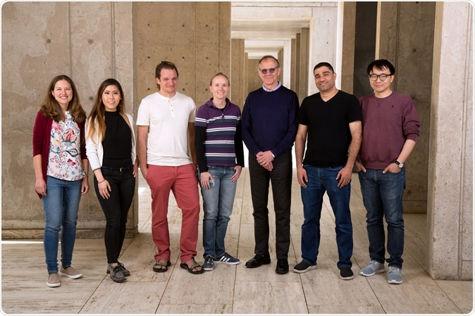 From left: Sarah Fernandes, Daphne Quang, Stephen Johnston, Sarah Parylak, Rusty Gage, Abed AlFattah Mansour, Hao Li. Image Credit: Salk Institute