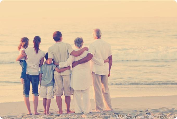 faimly on beach grandparents