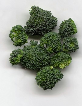 More than 300 scientific studies point to an antioxidant found in broccoli sprouts, sulforaphane glucosinolate (SGS), as a factor in preventing multiple diseases, including several types of cancer, high blood pressure, macular degeneration and stomach ulcers. Now a new study shows the naturally occurring antioxidant SGS may help reduce cholesterol levels in a matter of days.